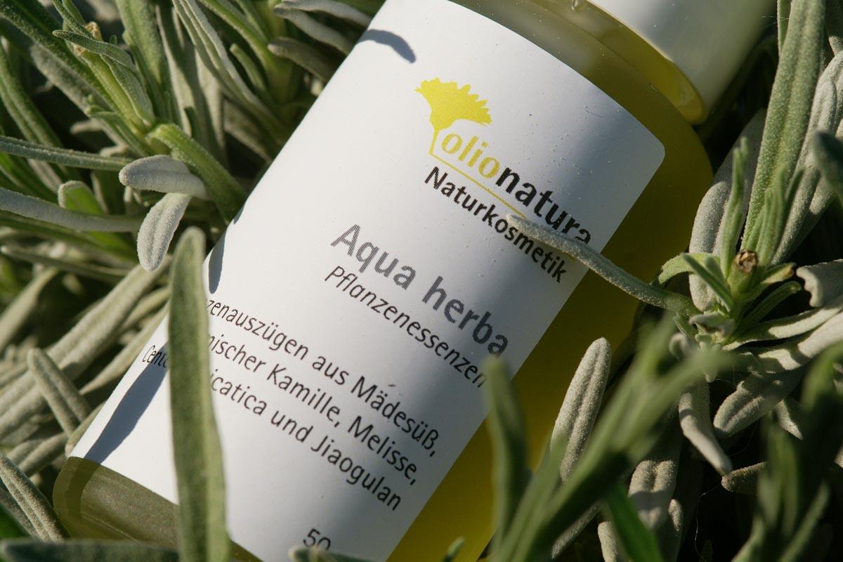 Aqua Herba: Gesichtswasser mit Frischpflanzenauszügen