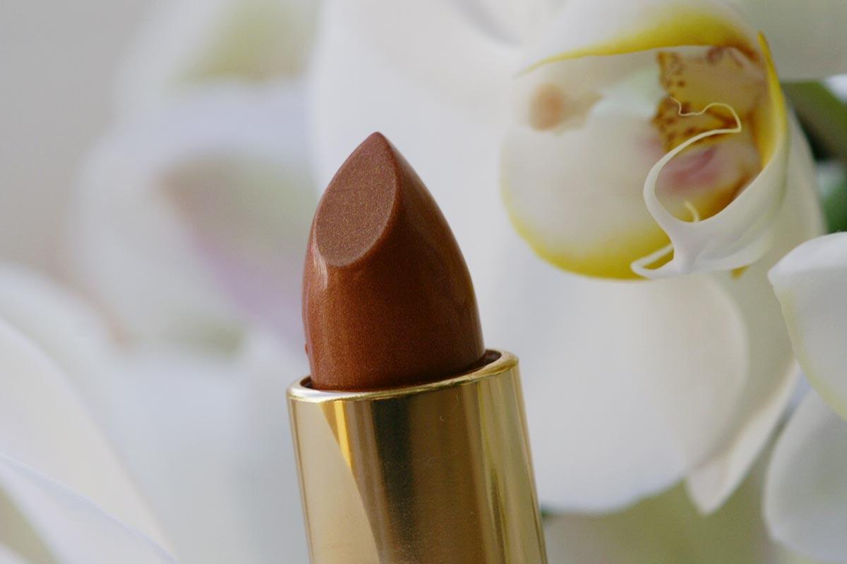 Lippenstift mit Orchideen