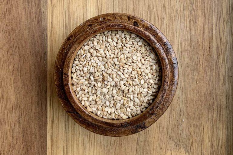 Sesamsamen, aus denen Sesamöl gepresst wird